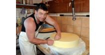 Discover how the l'Etivaz cheese is made