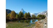Hike along lakes