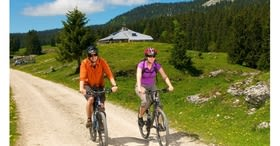 Discover the Vaud Jura Regional Park on an e-bike