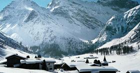 Wintersprookje bergboerderij Sertig